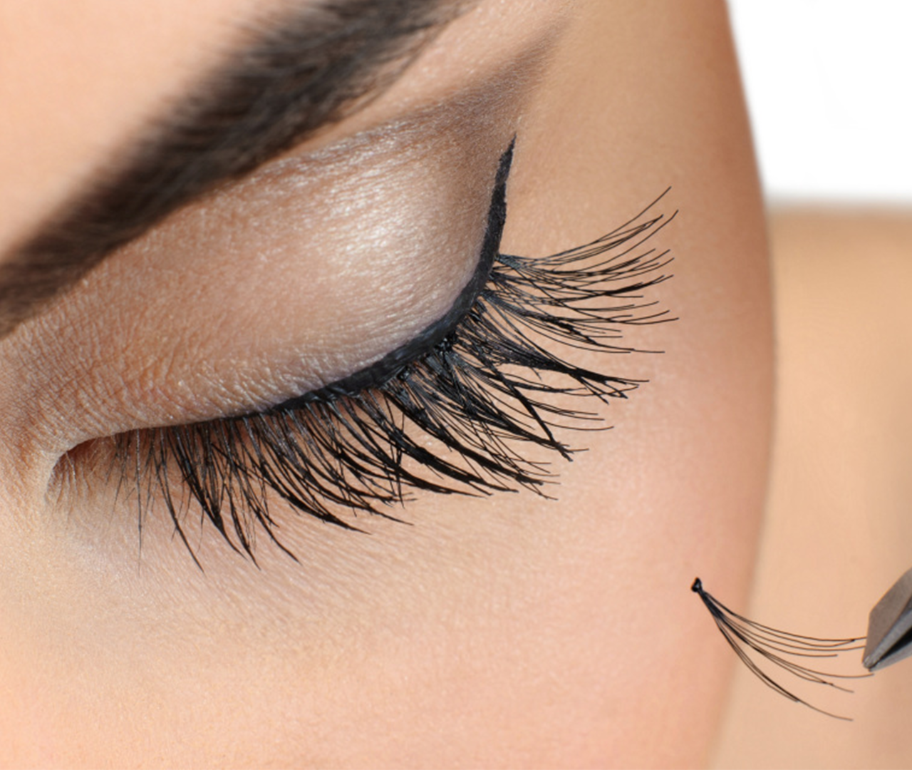 Cluster Eyelash extensions